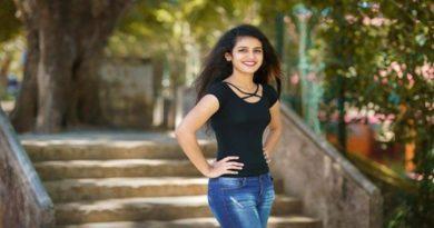 Priya Prakash Varrier : The Wink Girl