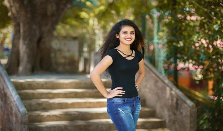 Priya Prakash Varrier : The Wink Girl