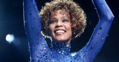 Whitney Houston Net Worth, Age, Height, Boyfriends, Cause of Death