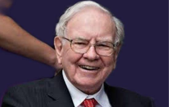 World's 4th Richest American Bussinessman and invester Warren Buffett.