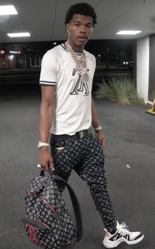 How tall is Lil Baby? Discover more Celebrity Heights,Lil Baby's Net Worth 2020, Age, and Instagram.