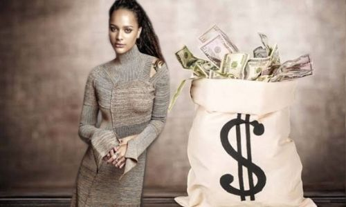Sasha Lane's Net Worth in 2021 - How Sasha Lane Maintains her Worth?