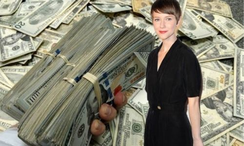 Valorie Curry's Net Worth in 2020 - How Valorie Curry Maintains her Worth?