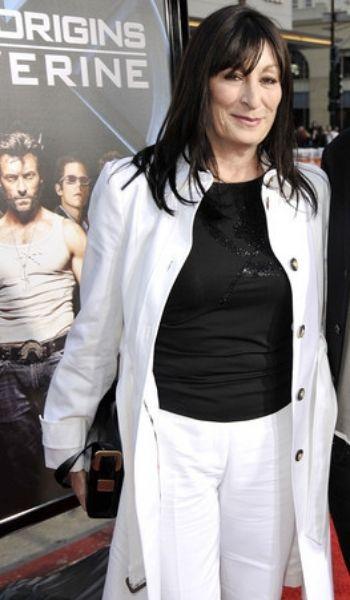 Anjelica Huston's Height: Age, Net Worth 2021, Husband, Salary