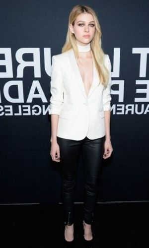 Nicola Peltz's Height: Age, Net Worth 2021, Boyfriend, Salary