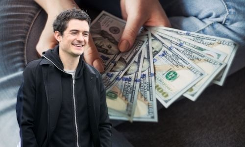 What is Orlando Bloom's Net Worth in 2021 and how does he make his money?