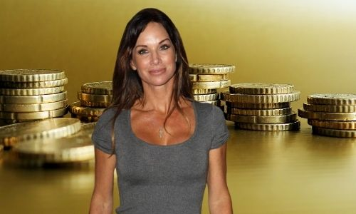 What is Debbe Dunning's Net Worth in 2021 and how does she make her money?