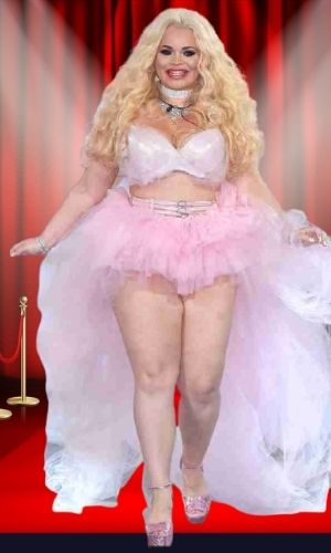 Is Trisha Paytas' height 5 feet 4 inches?