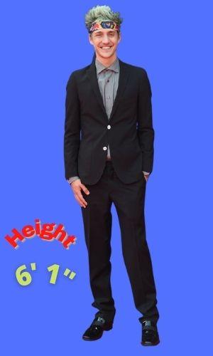 Ninja's Height: Age, Net Worth 2021, Body Stats, Instagram